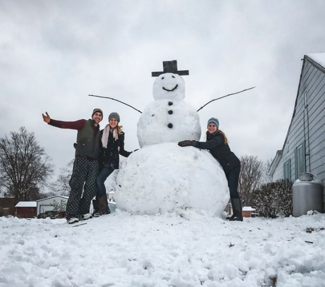Instant karma For A Driver Who Wanted To Destroy This Snowman (3 pics)