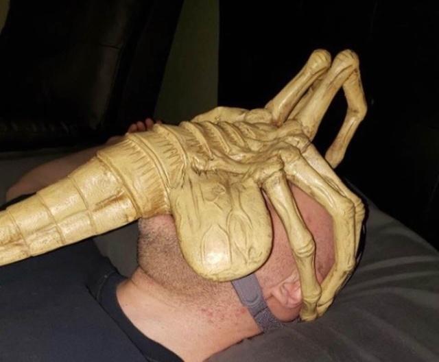 The Most Creative Sleep Apnea Mask (2 pics)