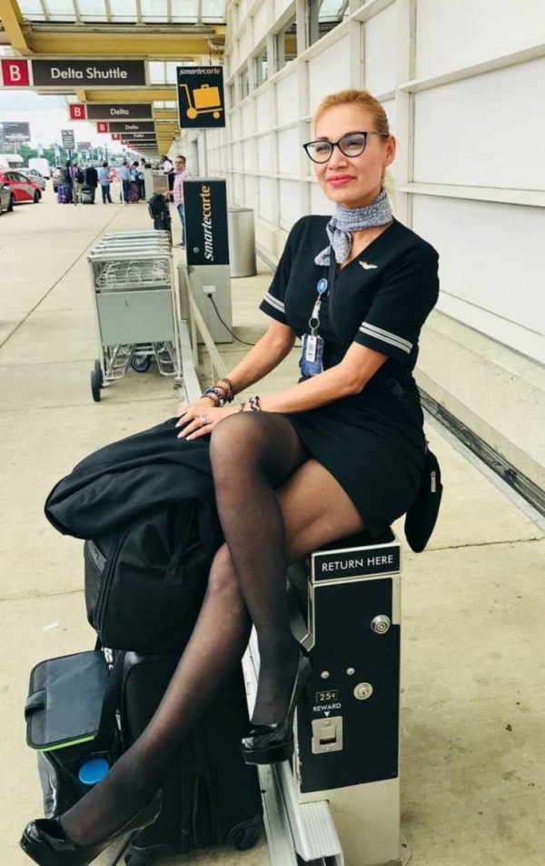 Pretty Flight Attendants Show How They Look Like When Not At Work (19 pics)