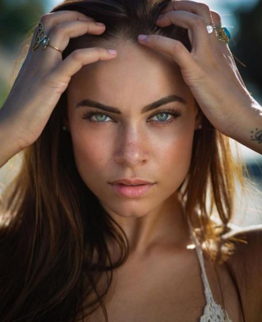 Beautiful Mixed Race Girls (15 pics)