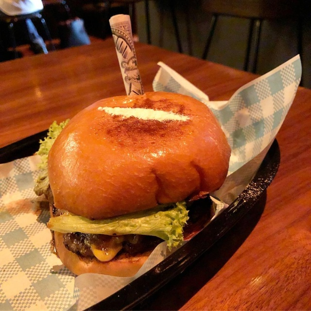Escoburger (4 pics)