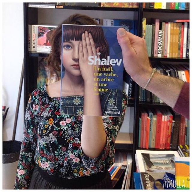 French Bookstore Uniquely Combines Their Visitors With Books (25 pics)