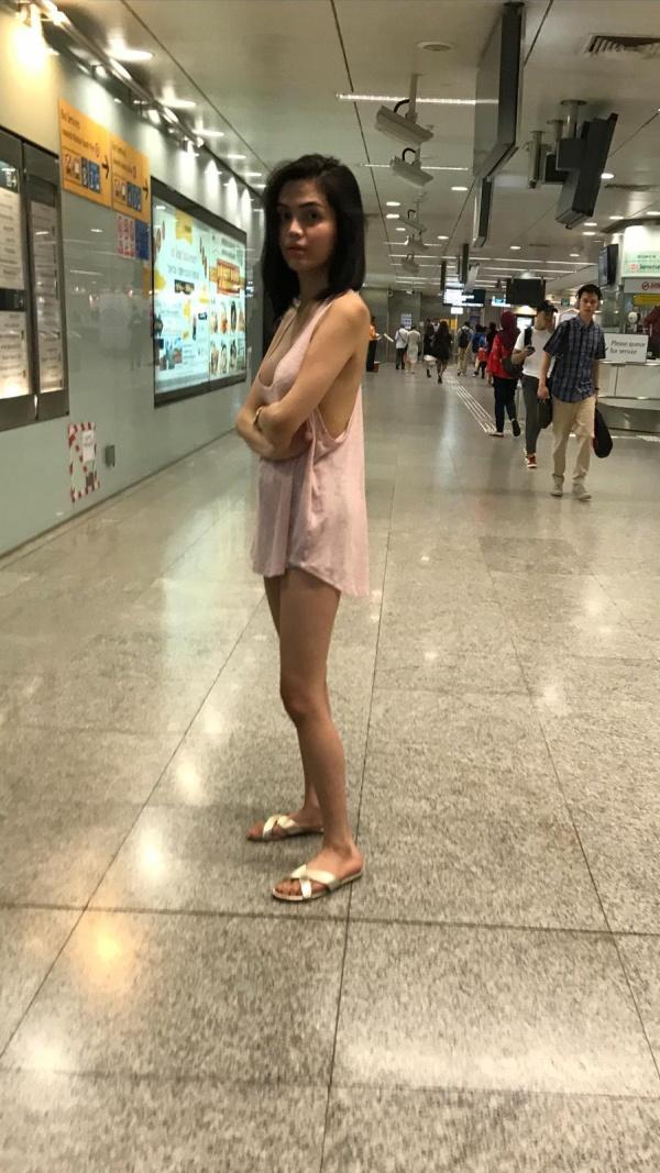 Hot Girl Wearing a Hot Dress or a T-Shirt (6 pics)
