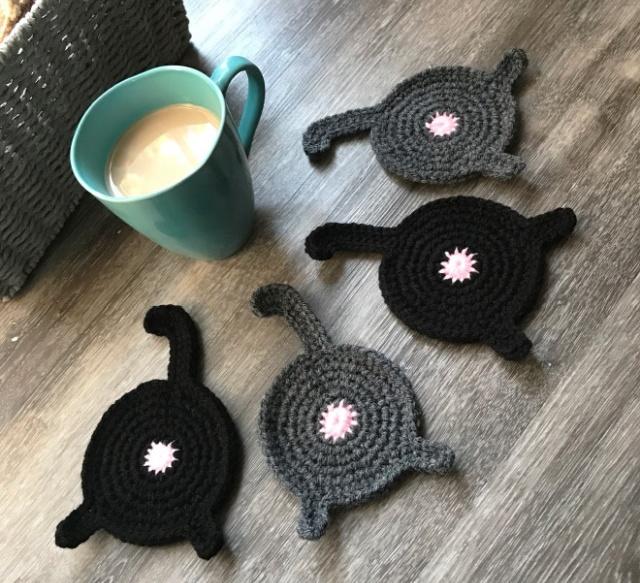 Crocheted Cat Butt Coasters (10 pics)