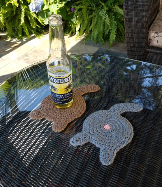 Crocheted Cat Butt Coasters (10 pics)