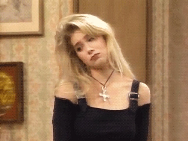 Don't You Miss Kelly Bundy Too? (16 gifs)