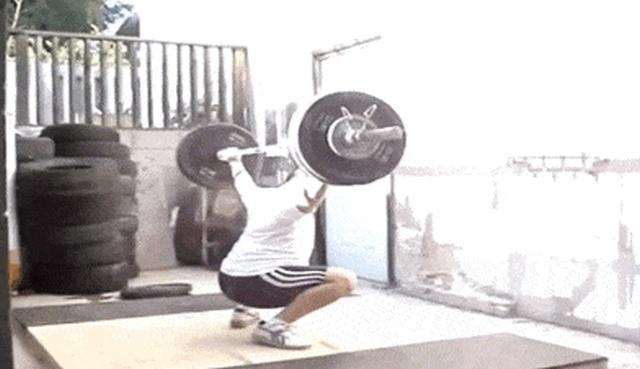 Gym Fails (17 gifs)