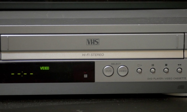One Guy Sold a VHS Player On eBay And Got A Letter (pics)