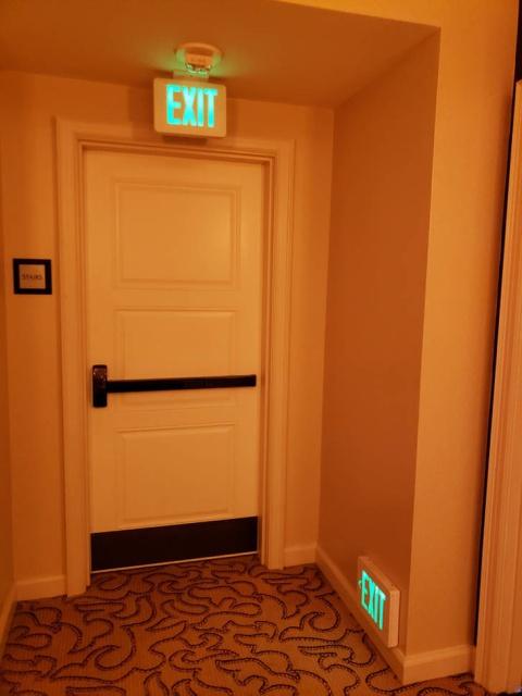 Hotel Fails (42 pics)