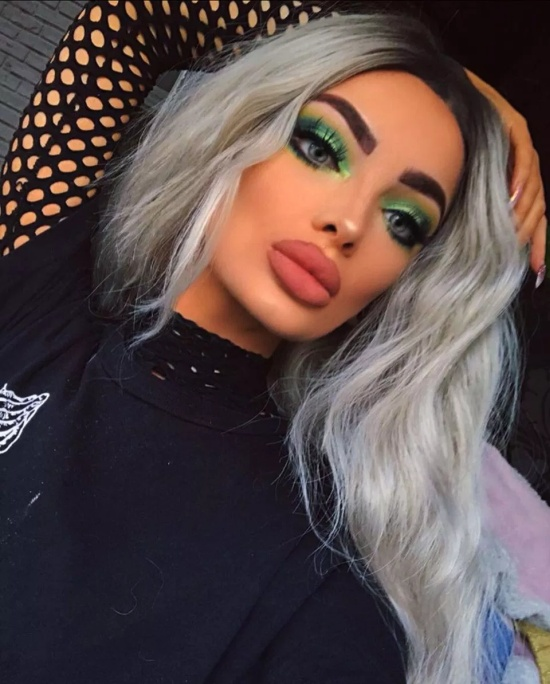 What Do You About This Make Up? (7 pics)