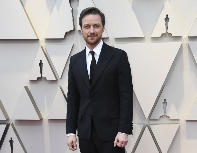 James McAvoy's Shirt Is Covered in Oscar Autographs for Charity (3 pics)