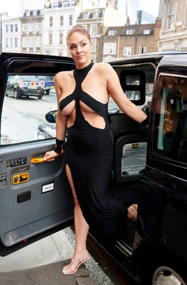 Stephanie Barnes Is Wearing Kim Kardashian's Dress On The Streets Of London (12 pics)