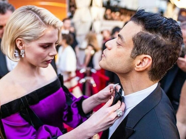 Everyone Kept Trying to Fix Rami Malek's Bowtie At The 2019 Oscars (5 pics)