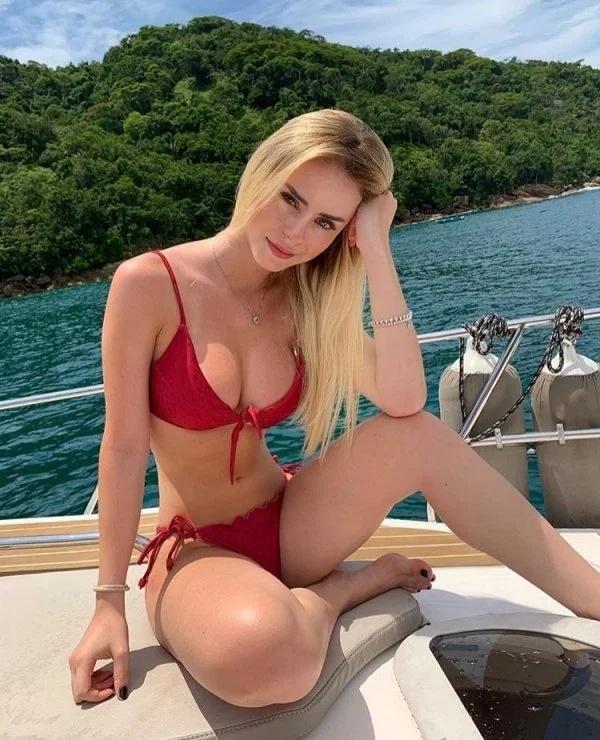 Hot Blondes (33 pics)