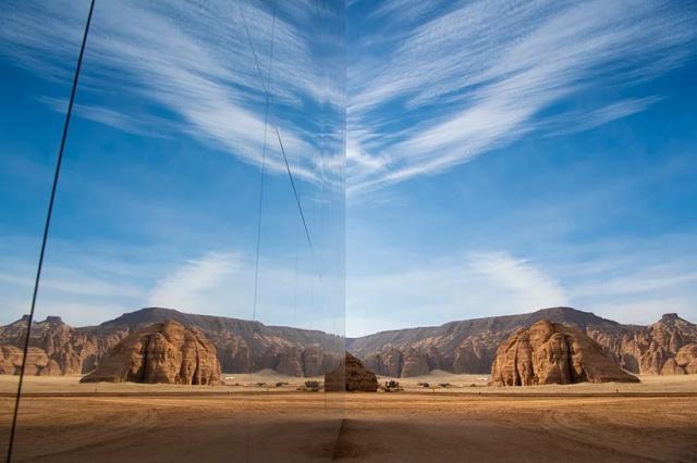 Mirrored Concert Hall In Saudi Arabia (10 pics)