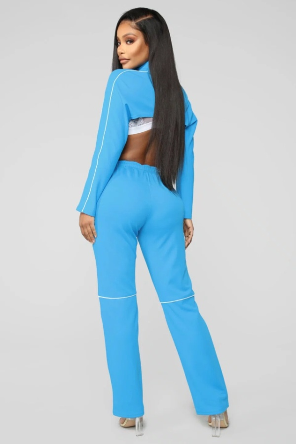 Fashion Nova's Tracksuit Top Makes Girls Look Topless (3 pics)