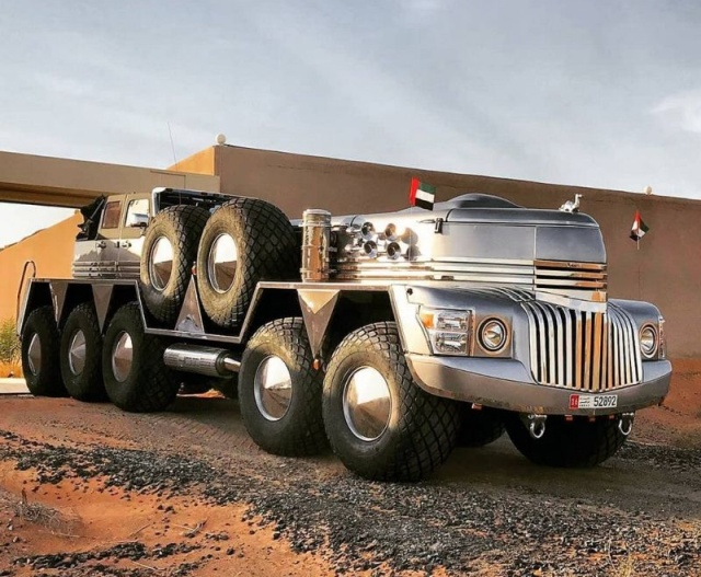 The Largest SUV In The World (6 pics)