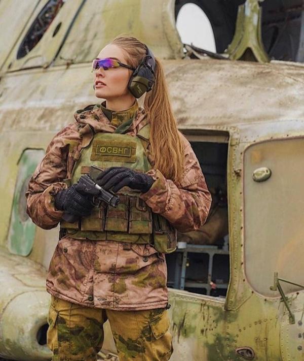 Russian Military Girls (30 pics)