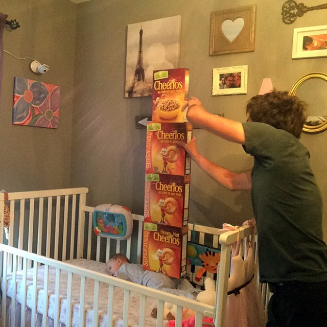 Dumb Viral Trend: Stacking Cheerios On Babies (20 pics)