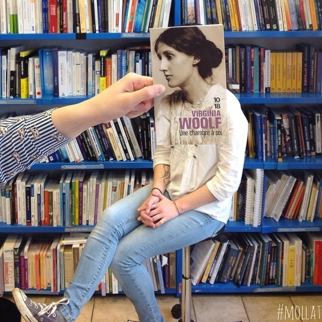 How Bored Bookstore Employees Entertain Themselves (30 pics)