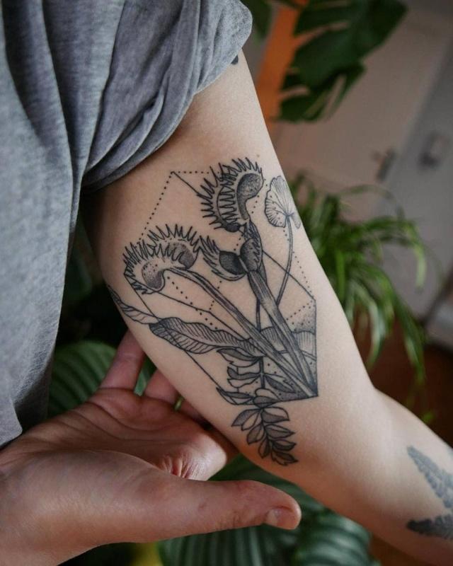 Flower Tattoos (16 pics)
