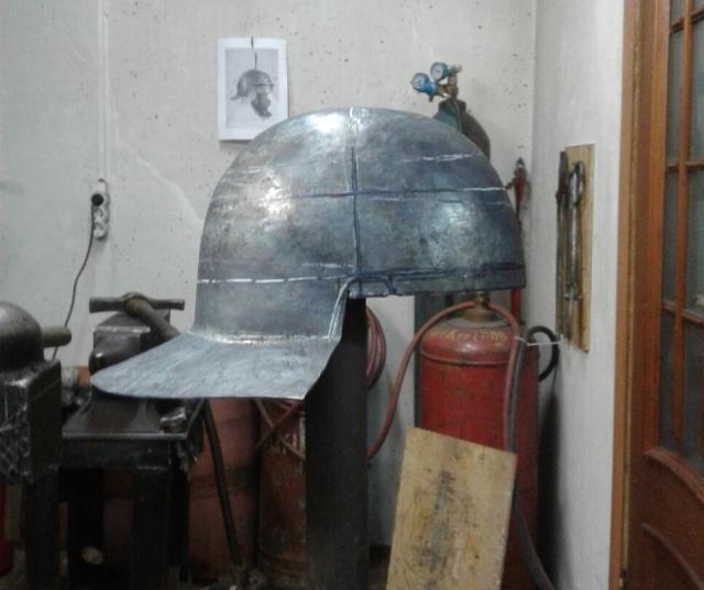 DIY Roman Helmet (6 pics)