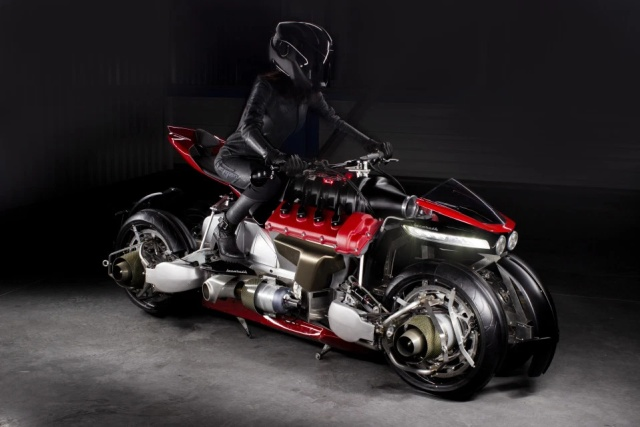 Flying Motorcycle That Transforms Into Quadricopter In 60 Seconds (7 pics)