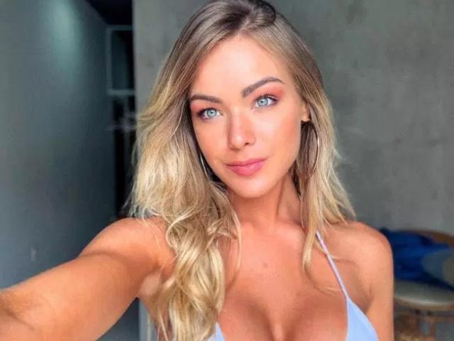 Very Hot Selfies (36 pics)