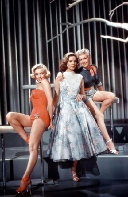 """Betty Grable, Lauren Bacall és Marilyn Monroe fotói a """"Hogyan juthatok el egy milliomosért"""" című témájához (1953) (19 kép)"""