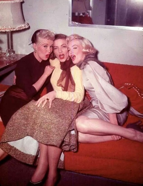 "Behind-the-Scenes Photos of Betty Grable, Lauren Bacall and Marilyn Monroe Together in ""How to Marry a Millionaire"" (1953) (19 pics)"