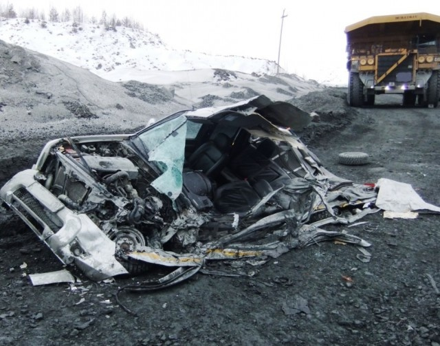 Dump Truck Accident. The Pickup Driver Walked Away Without Injuries (7 pics)