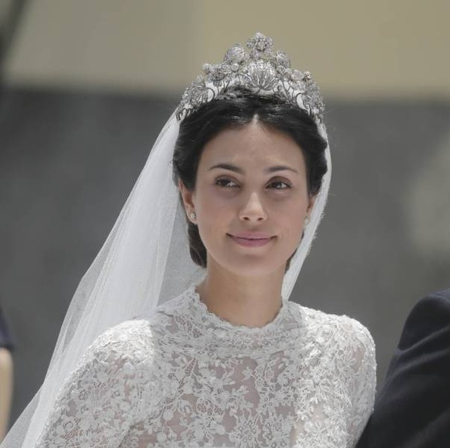 Beautiful Royal Women From Different Countries (24 pics)