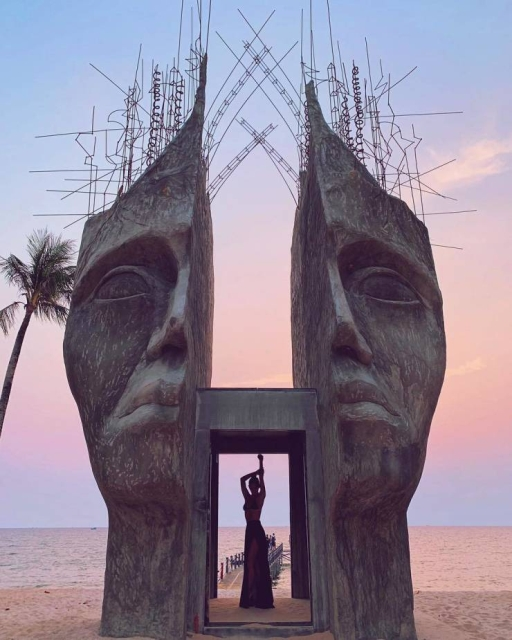 Great Sculptures (22 pics)