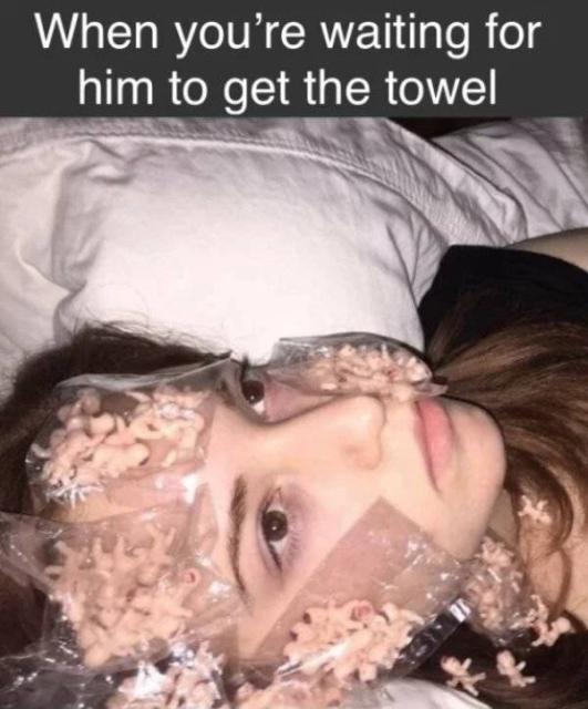 Girly Memes (32 pics)