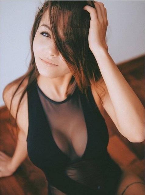 Very Hot Girls In Mesh Dresses (32 pics)