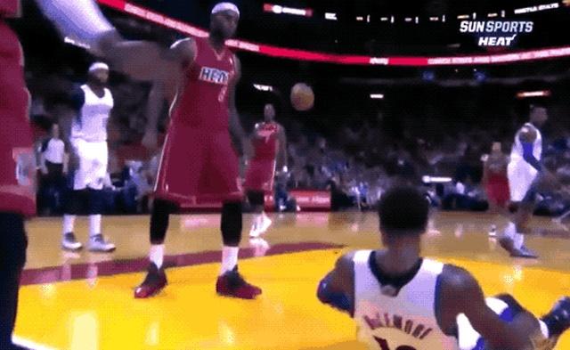 Jordan Vs LeBron Dunks (23 gifs)