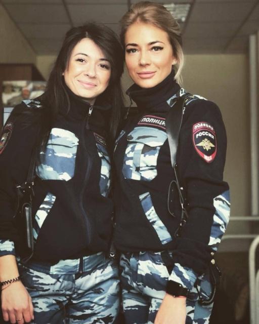 Russian Police Girls (34 pics)