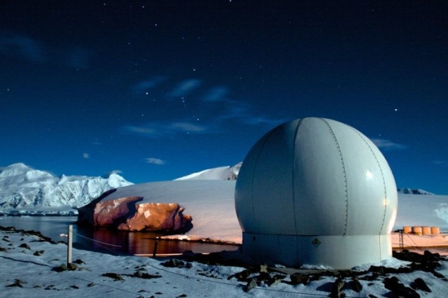 Researchers At This Base in Antarctica Eat Better Than You Do (6 pics)