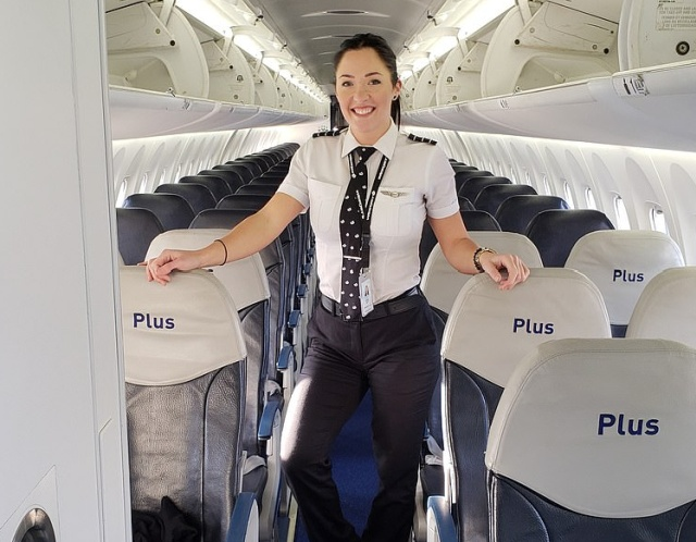 This Female Pilot Is A New Instagram Celebrity (10 pics)