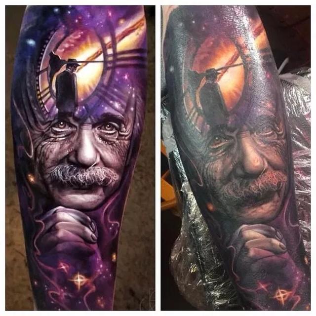 Photoshopping Tattoo Artists (24 pics)