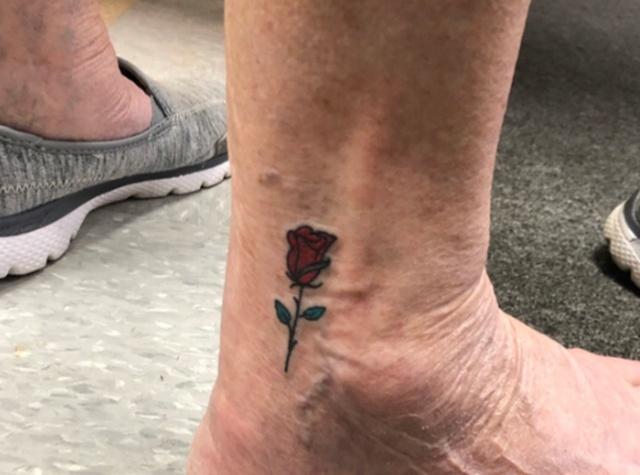 3 Generations One Tattoo (4 pics)