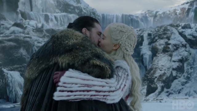 Game of Thrones' Kit Harington Gags After Kissing Emilia Clarke (3 gifs)