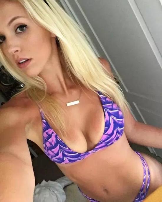 Hot Girls (27 pics)