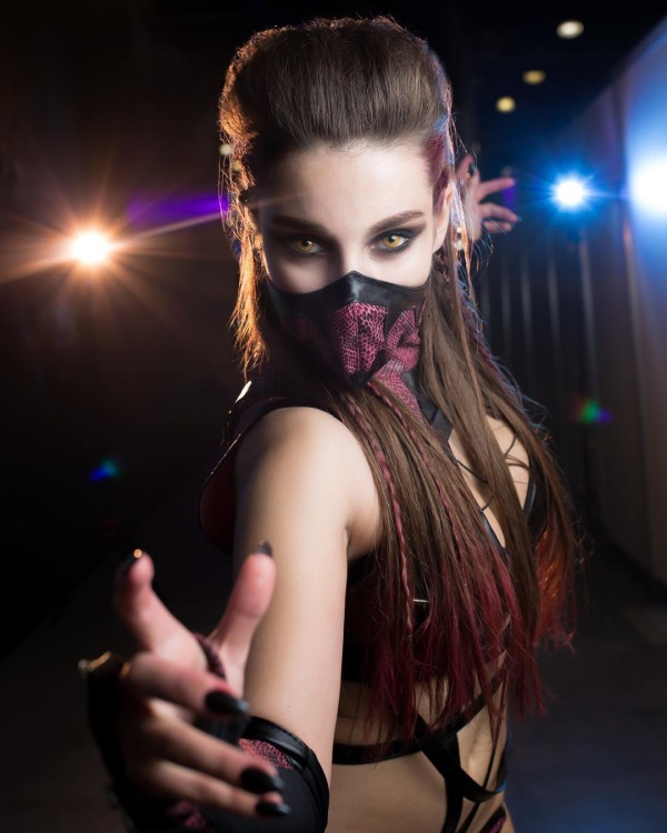 Very Hot Mileena Mortal Kombat Cosplay (7 pics)