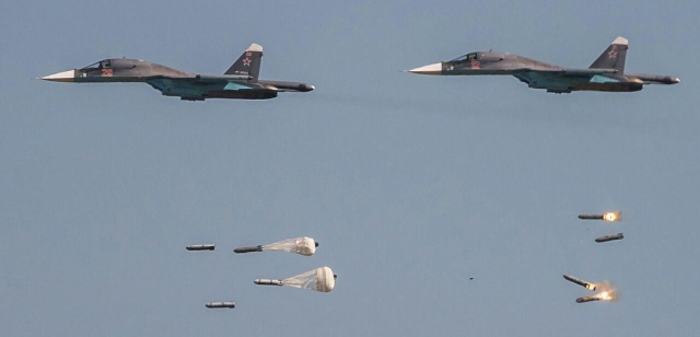 Bomb Collision In The Air (4 pics)