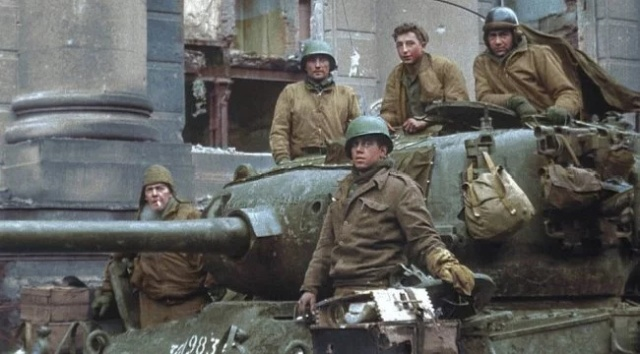Colorized WWII Photos (30 pics)
