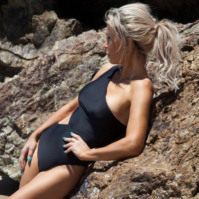 53-year-old Model Donna Anna (15 pics)