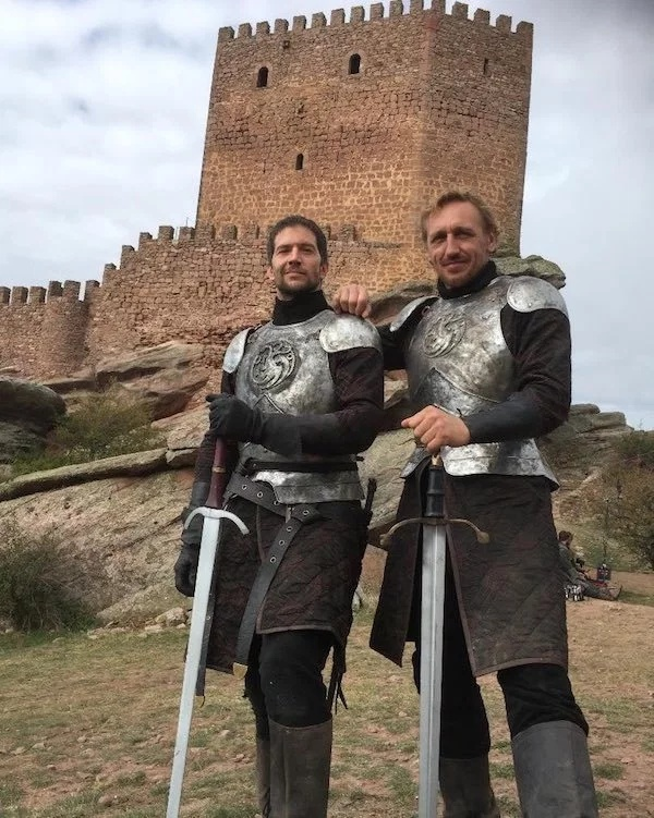 Behind The Scenes Of The Game Of Thrones (33 pics)
