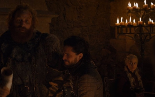 Starbucks Cup Left In Game Of Thrones Shot (4 pics)