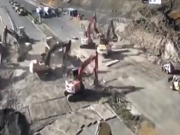 15 Hours Of Bridge Demolition In 15 Seconds